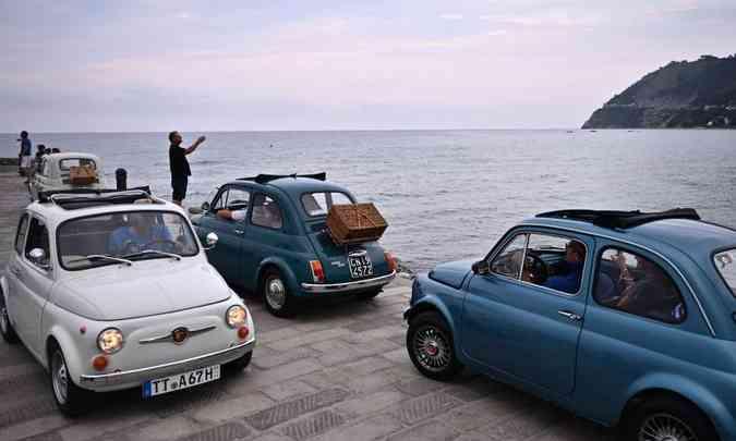 Foi o primeiro encontro mundial de Fiat 500, um ícone da indústria automotiva italiana(foto: Marco Bertorello/AFP)
