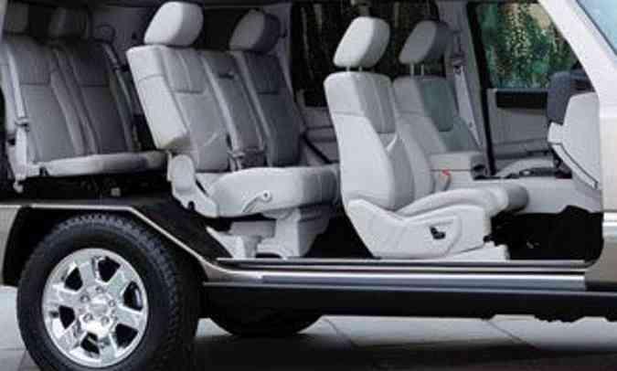 A Jeep não revela muitos detalhes sobre o SUV de sete lugares que chegará em 2021(foto: Jeep/Divulgação)