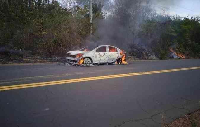 Onix Plus pega fogo no Maranhão durante viagem de professor/ Reprodução da internet