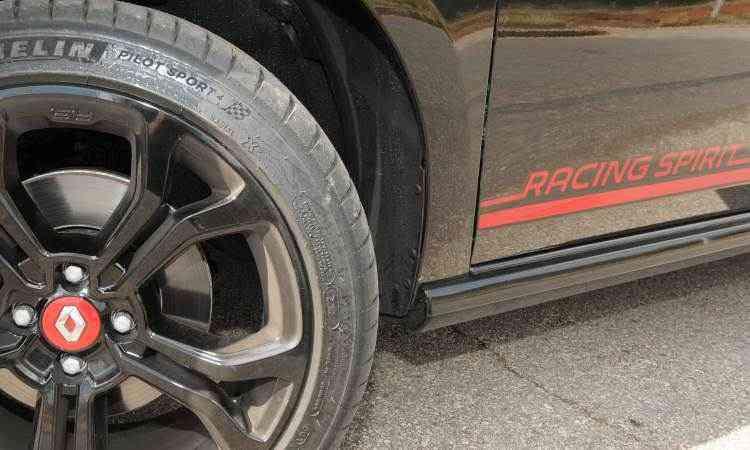 As faixas nas laterais identificam a série especial Racing Spirit, que terá 1.500 unidades - Beto Novaes/EM/D.APress