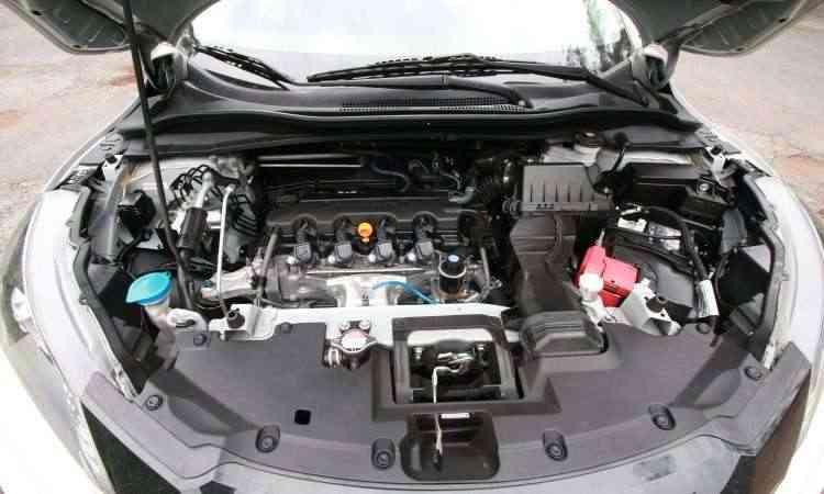 O motor 1.8 tem boa disposição, mas fica limitado pelo câmbio CVT, que tem evolução linear um pouco lenta - Edésio Ferreira/EM/D.A Press