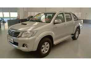 Toyota Hilux CD Srv D4-d 4x4 3.0 Tdi Diesel Aut em Pouso Alegre, MG valor de R$ 117.990,00 no Vrum