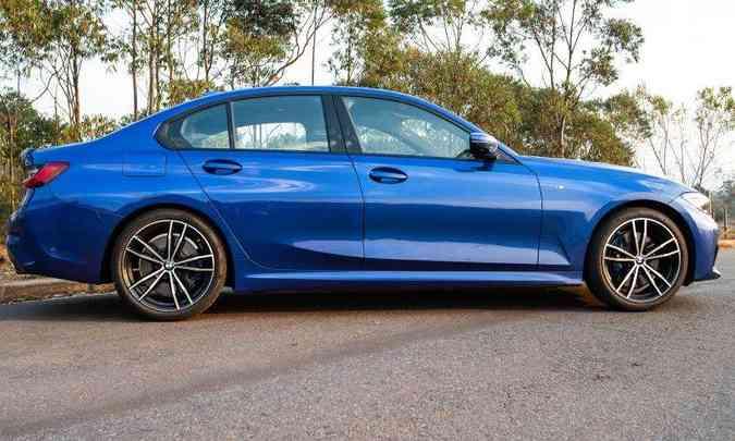 O modelo tem 2,85m de distância entre-eixos, além da frente bem alongada(foto: Jorge Lopes/EM/D.A Press)