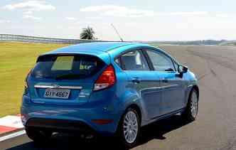 Nova geração de design do New Fiesta foi apresentada em 2002. Foto: Ford / Divulgação