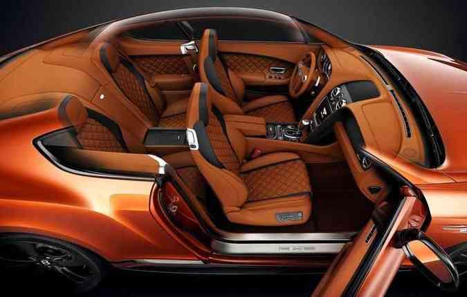 Cada Bentley leva 110 horas para ser produzido, o que inclui o interior artesanal(foto: Bentley/Divulgação)