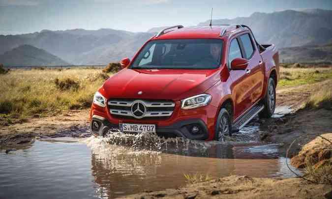 A Classe X tem capacidade para atravessar terrenos alagados com até 60cm de profundidade(foto: Mercedes-Benz/Divulgação)