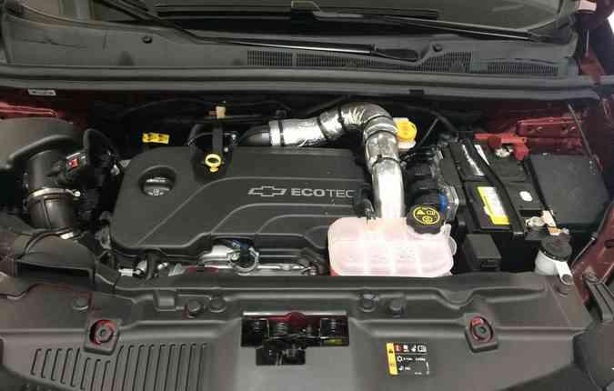 No manual do carro estão listadas as peças que devem ser inspecionadas em cada revisão(foto: Gustavo Carvalho / Esp. DP )