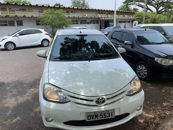 Toyota Etios Xs Sedan1.5 Flex 16v 4p Mec.