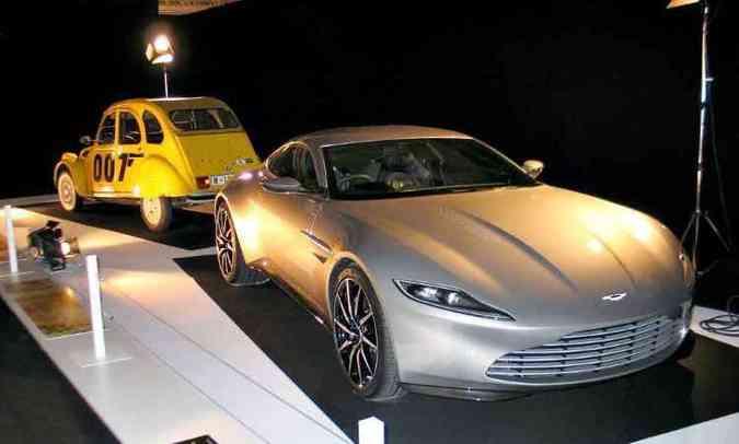 Do 007, o Aston Martin DB10 e um Citroën 2CV(foto: Enio Greco/EM/D.A Press)