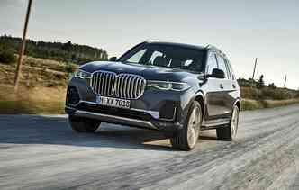 Modelo será fabricado nos Estados Unidos e chega ao mercado global em março do próximo ano. Foto: BMW / Divulgação