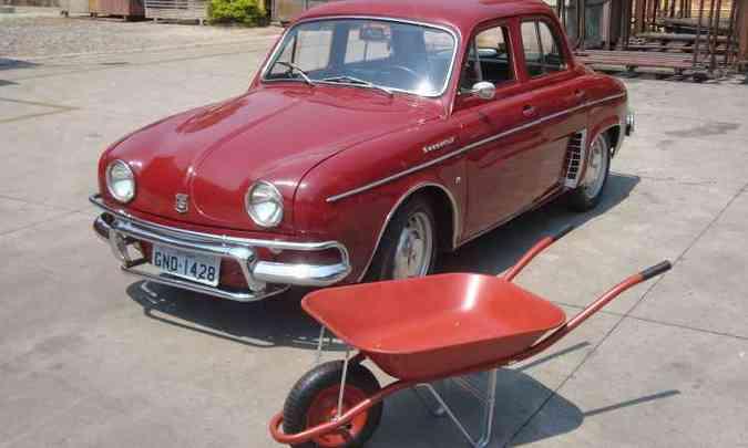 Gordini IV 1968 de cor vermelha, a mesma usada no carrinho Gordini Soft, é conservado pela empresa(foto: Bruno Freitas/EM/D.A Press )