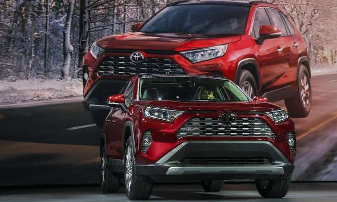 Novo Toyota RAV4 chegará ao mercado mundial no fim do ano, mas no Brasil só em 2019(foto: Drew Angerer/AFP)