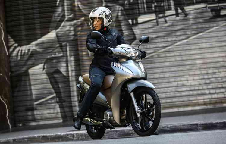 Prata e cinza são as cores novidades para a Biz. Foto: Honda / Divulgação -
