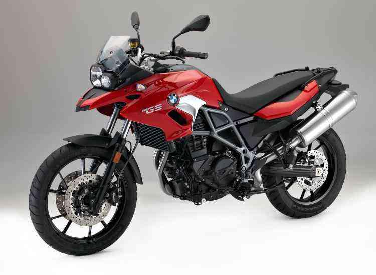 A F 700 GS substitui a G 650 GS e tem rodas de liga leve - BMW/Divulgação