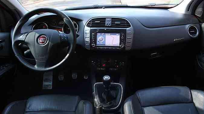 Sistema de navegação da tela central de LCD e comando de voz(foto: Marlos Ney Vidal/EM/D.A Press)