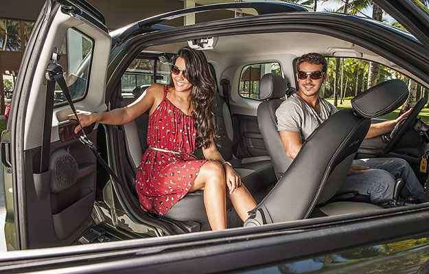 Terceira porta melhora acesso ao banco traseiro - Fiat/Divulgação