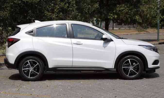 O SUV compacto tem 20cm de altura em relação ao solo e 2,61m de distância entre-eixos(foto: Edésio Ferreira/EM/D.A Press)