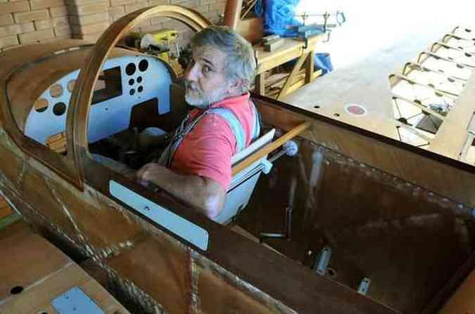 Para muitos amigos, foi uma loucura Jorge Canto se dedicar à construção do Whisky IV, todo em madeira de freijó e compensado aeronáutico Marcelo Ferreira/CB/D.A Press
