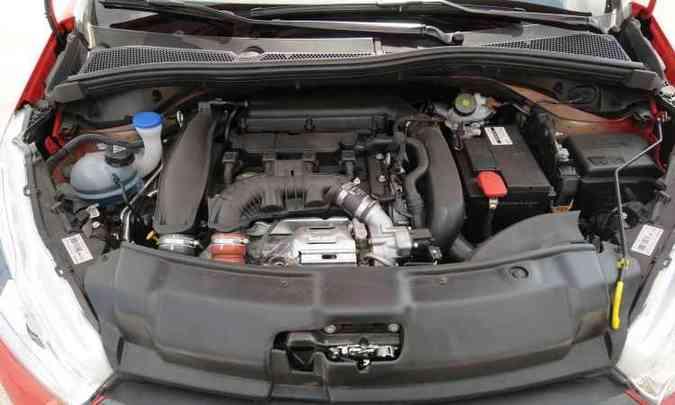 ...mas o principal destaque do carro é o motor 1.6 THP(foto: Jair Amaral/EM/D.A Press)