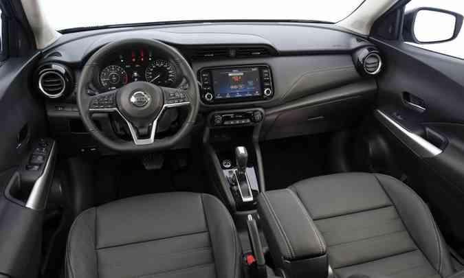 Painel manteve o seu visual antigo(foto: Nissan/Divulgação)