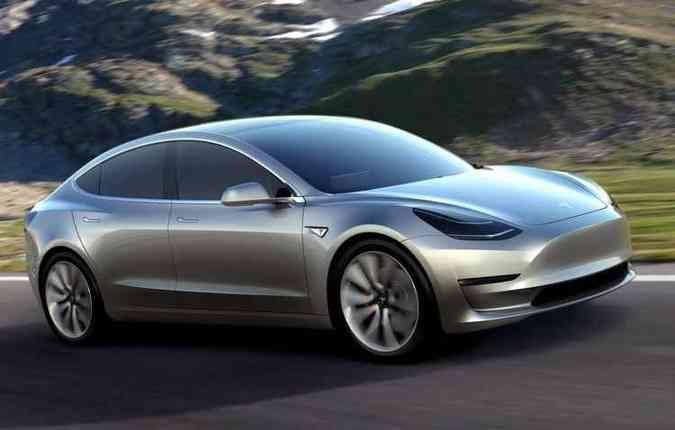 Sedã elétrico tem aceleração de 0 a 96 km/h em 6 segundos e autonomia para 346 quilômetros(foto: Tesla/Divulgação)