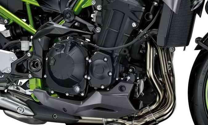 O motor quatro cilindros em linha fornece 125cv e 10,1kgfm de torque(foto: Kawasaki/Divulgação)