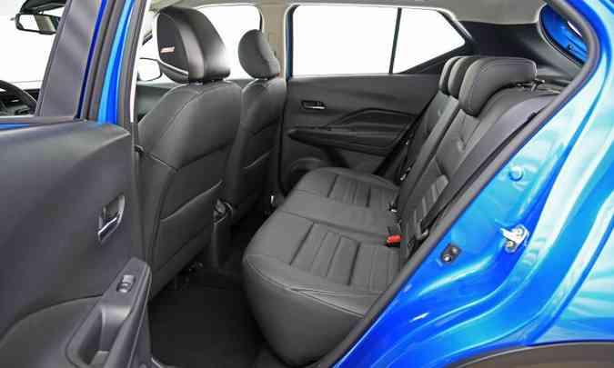 Banco traseiro acomoda com conforto até dois passageiros(foto: Nissan/Divulgação)