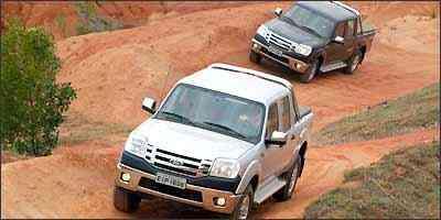 Nova Ranger tem frente com visual agressivo e grade frontal de barras paralelas - Fotos: Reginaldo Manente/Ford/Divulgação
