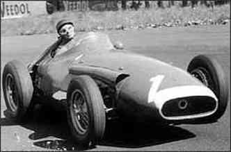 Fangio bateu o recorde da pista de Nuerburgring e superou os pilotos da Ferrari(foto: Reprodução da Internet - taringa.net - 19/9/07)