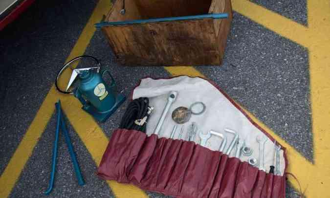 Junto com o veículo veio uma caixa de ferramentas lacrada(foto: Thiago Ventura/EM/D.A. Press)