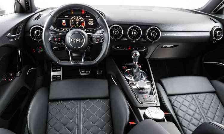 Tela do painel pode ser configurada para destacar conta-giros, nos modos clássico ou S - Audi/Divulgação
