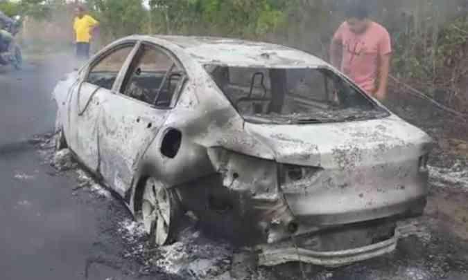 Incêndio destruiu uma unidade do Chevrolet Onix Plus na cidade de Mirador, no Maranhão(foto: Reprodução da Internet)