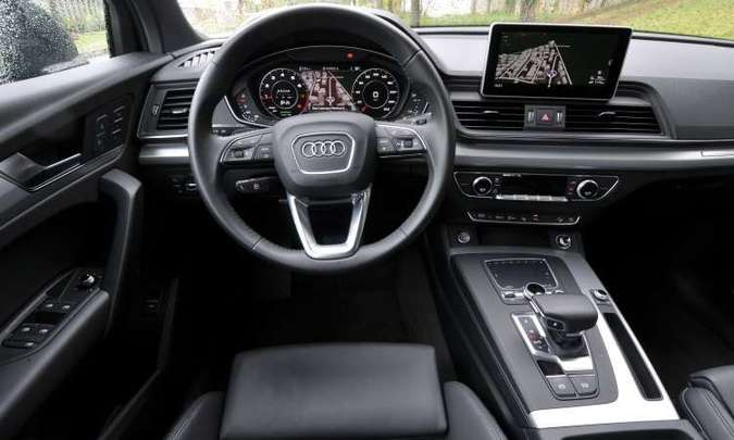 O Audi Virtual Cockpit expõe o mapa do GPS bem diante do motorista, que não precisa desviar a visão(foto: Juarez Rodrigues/EM/D.A Press)