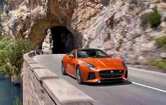 Novidade possui um propulsor 5.0 V8 Supercharged responsável por entregar 575 cavalos de potência(foto: Jaguar / Divulgação)