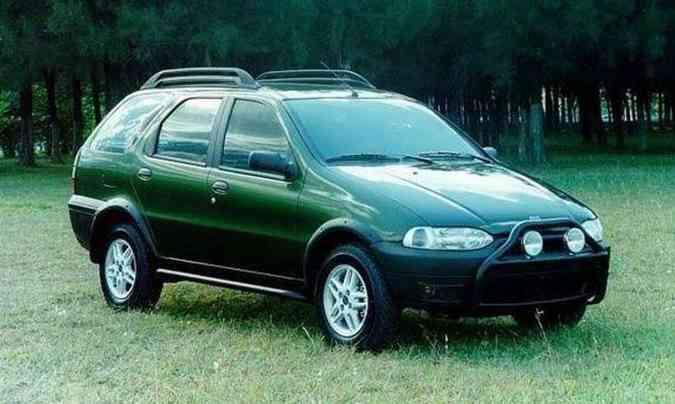 A primeira Weekend Adventure foi lançada em 1999, introduzindo o estilo aventureiro(foto: Fiat/Divulgação)