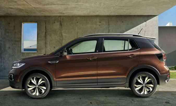 Modelo nacional é 9 centímetros mais longo que o europeu, tem mais 8,8cm de entre-eixos e é 1,1cm mais alto(foto: Volkswagen/Divulgação)