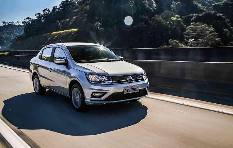 Capô está mais elevado em relação à versão anterior, com duas linhas ligando os faróis dianteiros. Foto: Volkswagen / Divulgação -