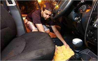 Secagem e limpeza do interior são os serviços mais comuns - Marcos Vieira/EM/D.A.Press