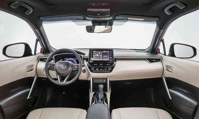 A versão de topo de linha XRX Hybrid traz partes revestidas em couro e material sintético bege(foto: Toyota/Divulgação)