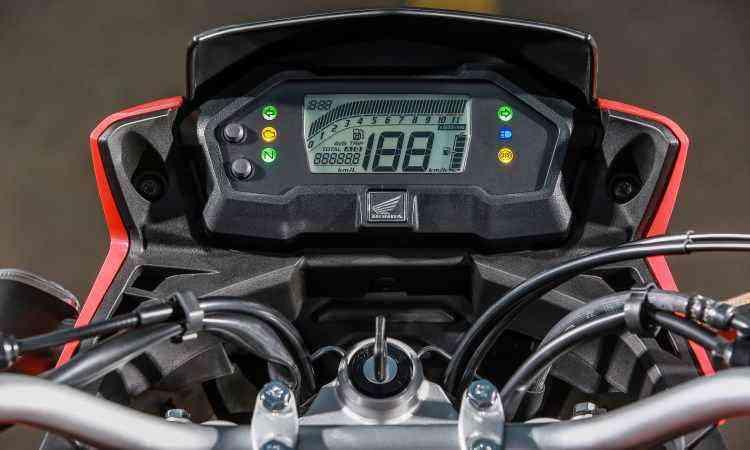 Painel é inteiramente digital e tem indicador de consumo - Caio Mattos/Honda/Divulgação