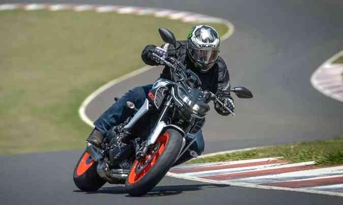 A marca desenvolveu um sistema que dosa a velocidade de reposta do acelerador em três níveis(foto: Gustavo Epifânio/Yamaha/Divulgação)