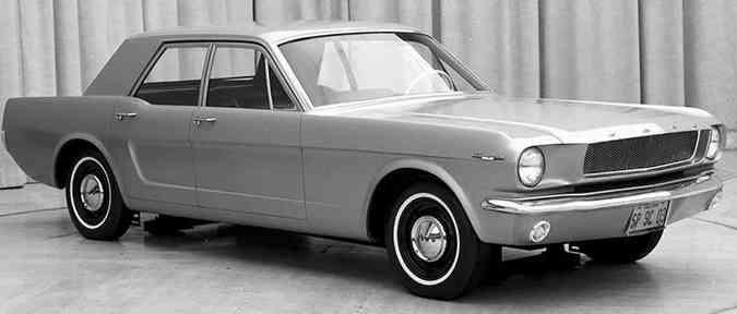 Mustang de quatro portas(foto: Ford/Divulgação)