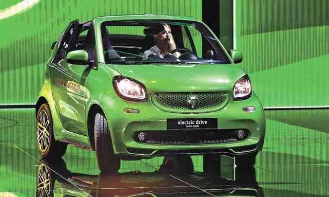 smart Fortwo Cabrio Eletric Drive(foto: MIGUEL MEDINA/AFP)