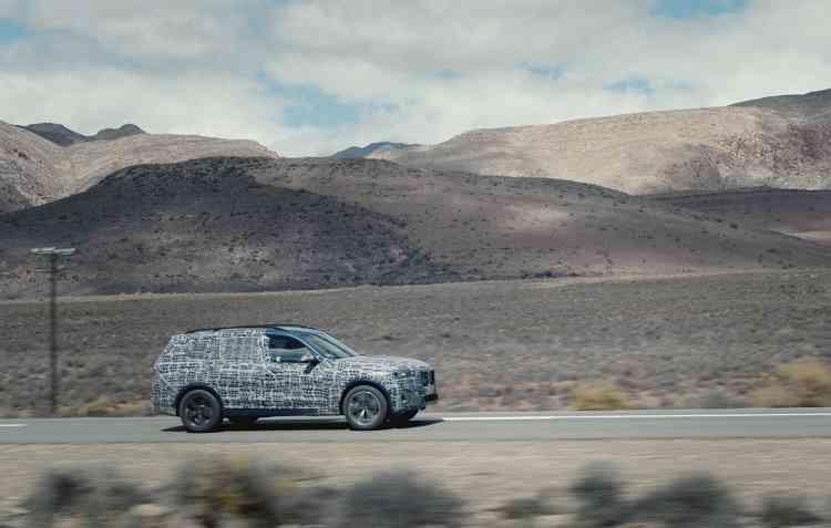 Conceito do X7 está sendo testado em vários terrenos e condições. Foto: BMW / Divulgação -