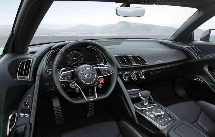 Existem dois alto-falantes nos encostos de cabeça em cada assento - Audi / Divulgação