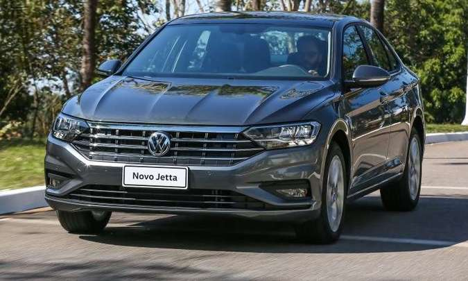 A versão Comfortline traz de série seis airbags, ar-condicionado digital e sensores de estacionamento dianteiro e traseiro(foto: Pedro Danthas/Volkswagen/Divulgação)