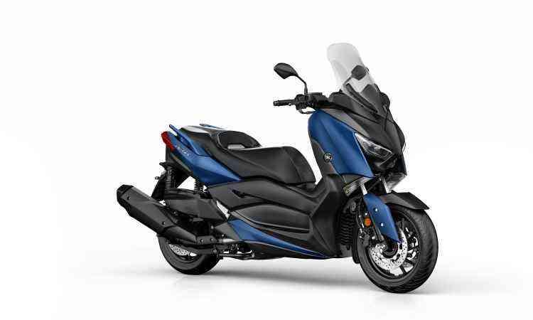 A roda dianteira é aro 15, mas a traseira é de 13 polegadas, vulnerável às imperfeições do piso - Yamaha/Divulgação