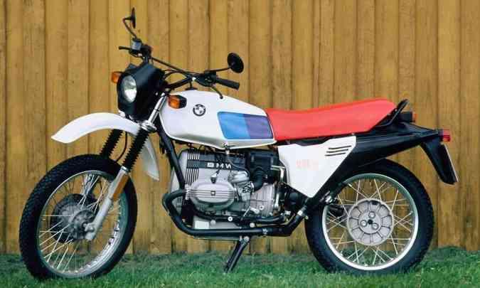 A primeira R 80GS contava com motor boxer refrigerado a ar de 798cm³(foto: BMW/Divulgação)