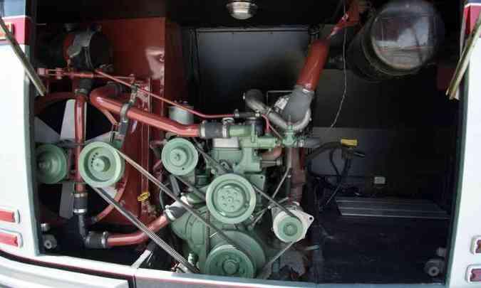 Motor OM 352 produzia 130cv (cavalos) de potência, o suficiente para padrões da época(foto: Thiago Ventura/EM/D.A. Press)