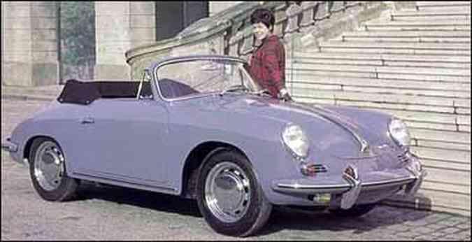 Modelo 356 C Cabrio, de 1964, manteve as formas arredondadas, característica da marca(foto: Fotos: Porsche/Divulgação)